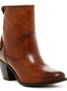 Frye Jackie Zip Short Boot Size 8